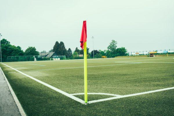サッカーの施設&ピッチに関する英語ボキャブラリー50+