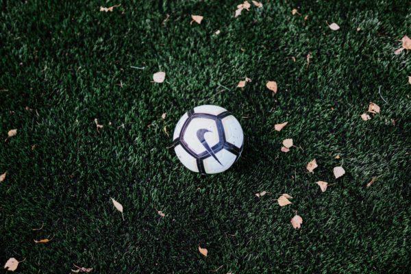【#GoalOfTheDay】岡崎慎司の放った超絶ボレーに再脚光